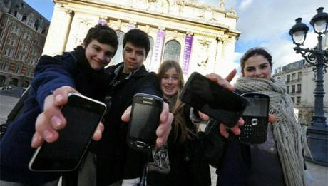 jeunes rome vatican smartphones